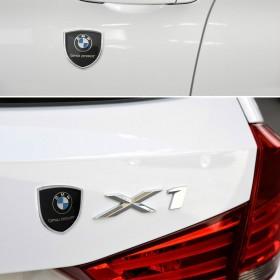 Шильдики с логотипом на задние стойки дверей БМВ