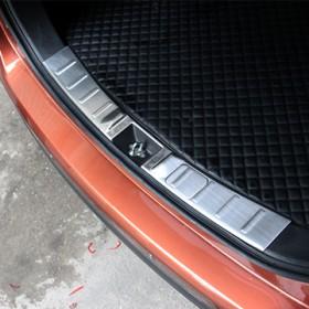 Накладка на внутренний порог багажника Мицубиси Аутлендер