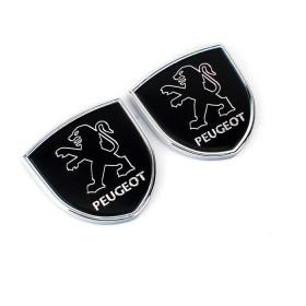 Шильдики с логотипом на задние стойки дверей Пежо