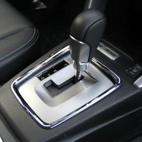 Хром накладка на коробку передач Субару Форестер