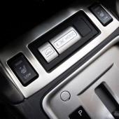 Обрамление кнопок подогрева сидений и X-MODE Forester