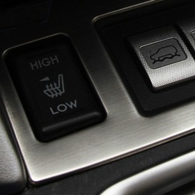 Накладка на кнопки подогрева сидений и X-MODE Субару Форестер