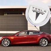 Шильдики с логотипом на задние стойки Tesla