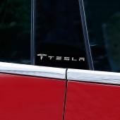 Наклейки с логотипом на стойки Tesla