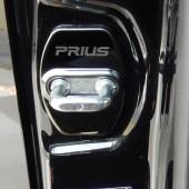 Накладки на дверные петли Prius