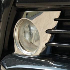 Хром накладки на передние туманки Тойота Приус 30 рестайлинг