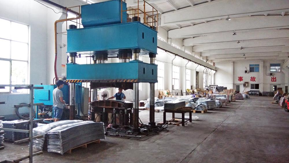 iEAST.ru накладки на бампер завод в Китае